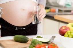 Alimenti da evitare in gravidanza. Quali sono?